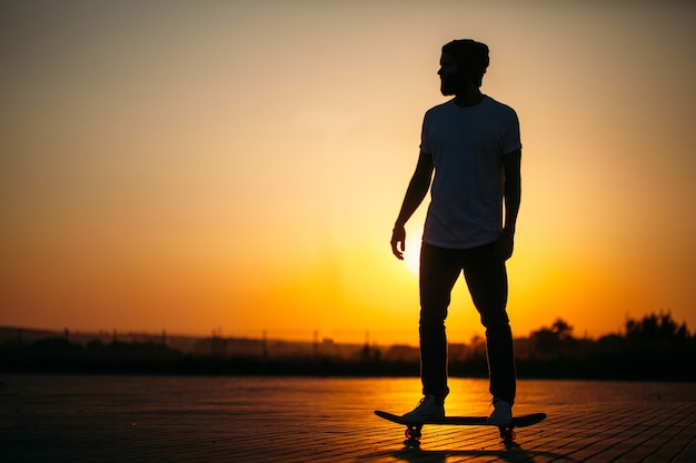Skater na łyżwach