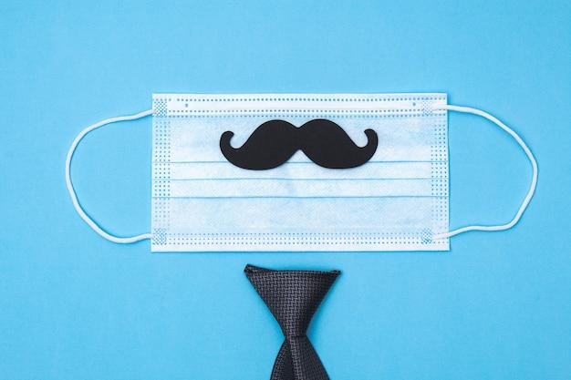 Skład maski, krawata, muszki, wąsów. koncepcja wakacje dzień ojca.
