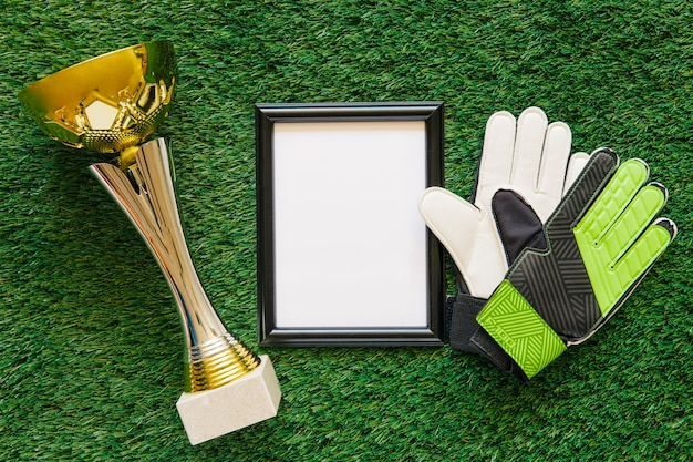 Skład piłki nożnej z ramą i trofeum