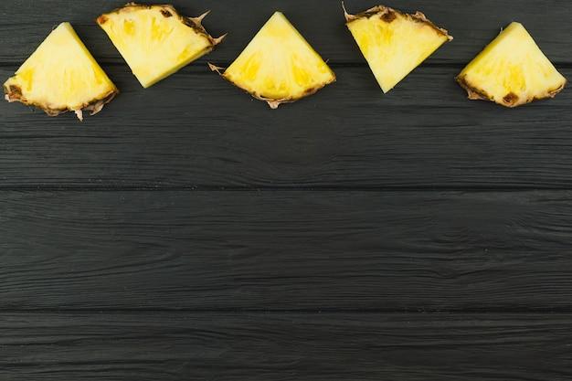 Skład plasterków ananasa
