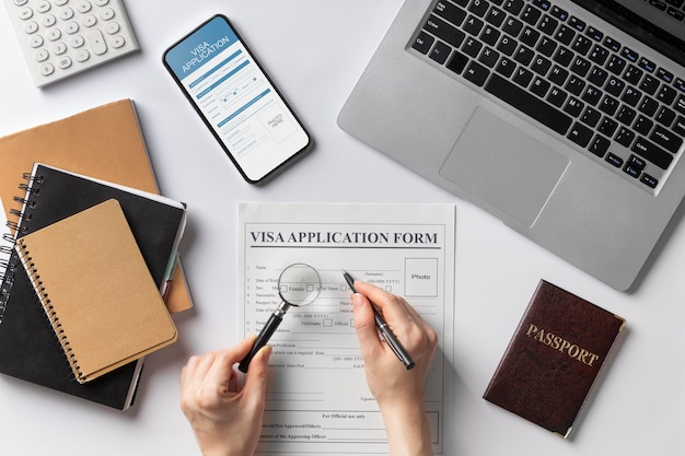 Składanie wniosków o wizę typu flat lay