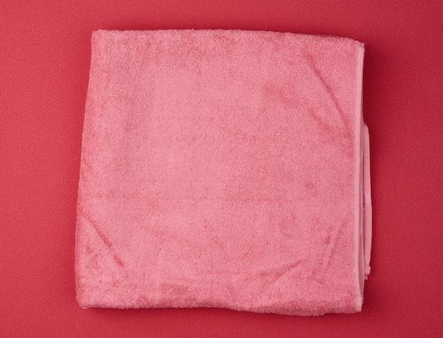 Składany ręcznik kąpielowy frotte różowy w kolorze czerwonym