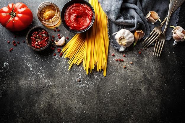 Składniki do gotowania włoskiej kuchni