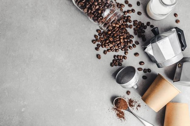 Składniki do przygotowania kawy na płasko
