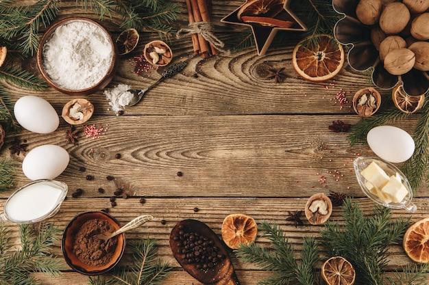 Składniki do robienia świątecznej babeczki na desce