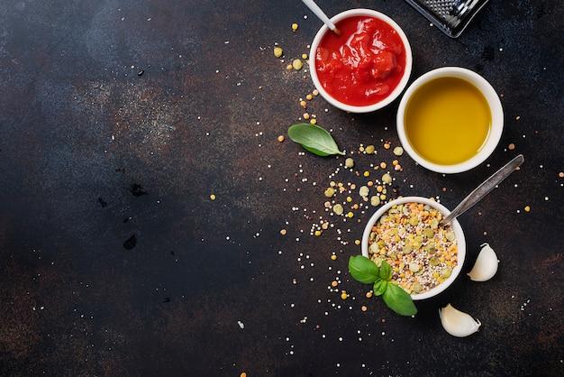 Składniki do wegetariańskiej mieszanki warzyw strączkowych