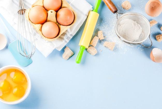 Składniki i przybory do gotowania pieczenia
