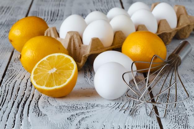 Składniki na domową tartę cytrynową z lawendą
