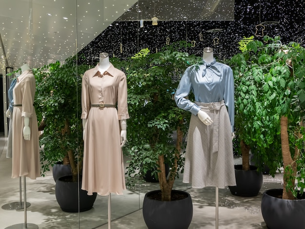 Sklep z modą damską w centrum handlowym