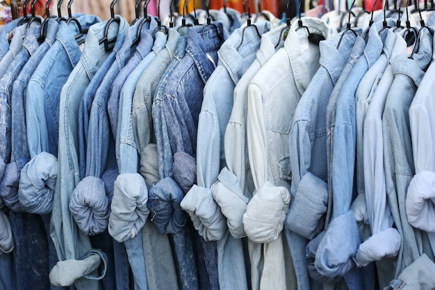 Sklep z niebieską koszulą