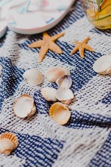 Skorup i gwiazda ryby na ręcznik plażowy