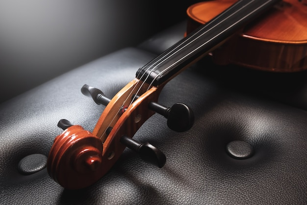 Skrzypce. muzyka klasyczna.