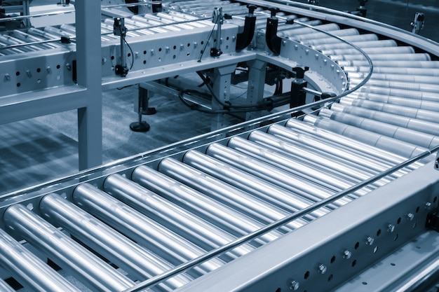 Skrzyżowanie przenośnika rolkowego, obiekty transportu rolkowego przenośnika linii produkcyjnej