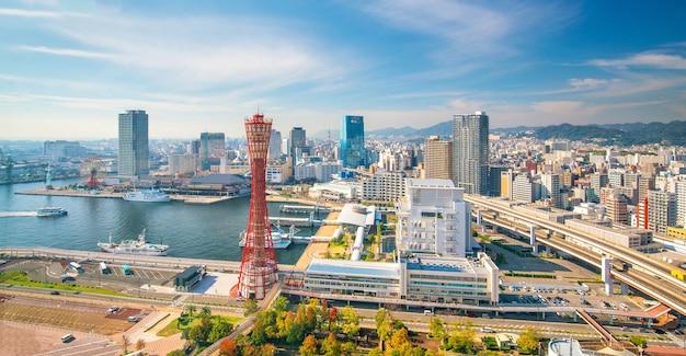Skyline i port w kobe w japonii