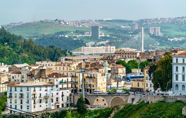 Skyline of constantine, duże miasto w algierii