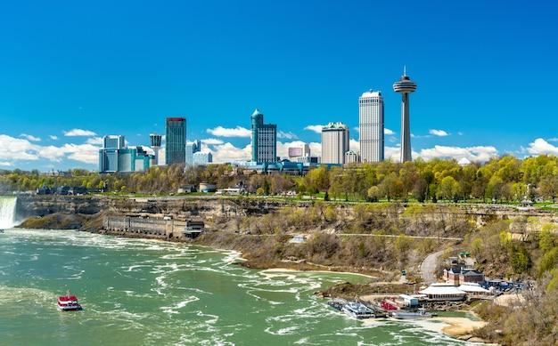 Skyline z miasta niagara falls w ontario, kanada