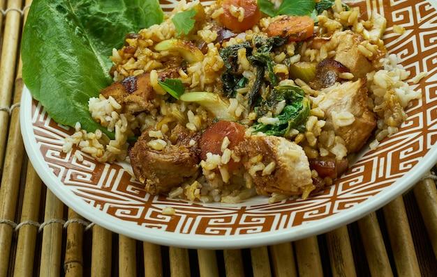 Slammin pork fried rice, dzięki czemu smażony ryż okinawa