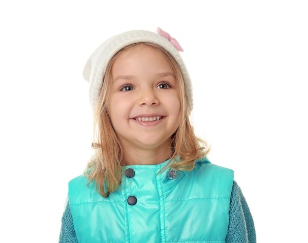 Śliczna mała dziewczynka w ciepłych ubraniach