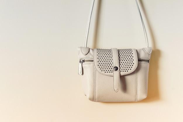 Śliczna mała szczegółowa torebka damska z grubej torebki
