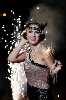 Śliczna, szczęśliwa carnaval kobieta