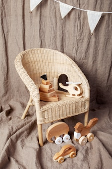 Śliczne drewniane ręcznie robione zabawki dla dzieci
