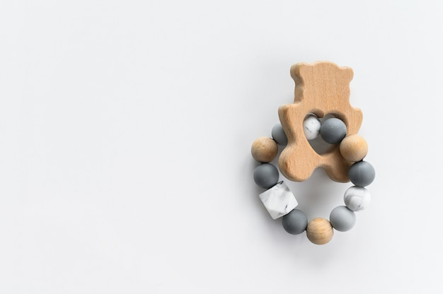 Śliczne drewniane ręcznie robione zabawki dla noworodka