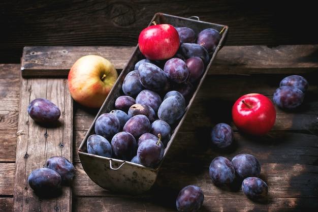 Śliwki i jabłka