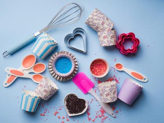Słodka koncepcja pieczenia. dziewczęcy styl