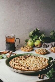 Słodka tarta jabłkowa