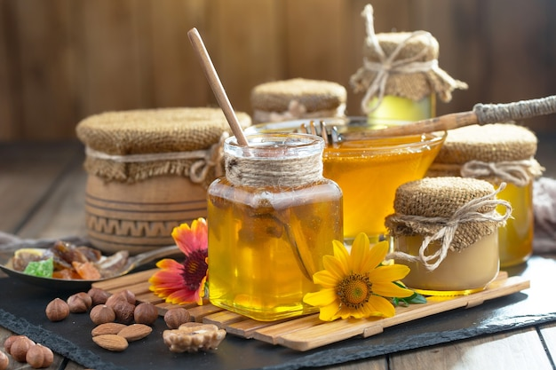 Słodki miód pszczeli