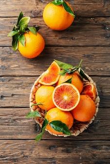 Słodkie czerwone pomarańcze sycylii
