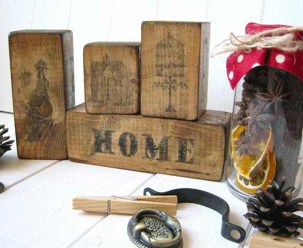 Słodkie domowe kostki drewniane