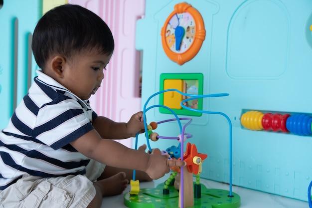 Słodkie małe dziecko azjatyckie