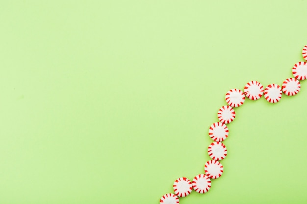 Słodycze ułożone w kształcie spirali