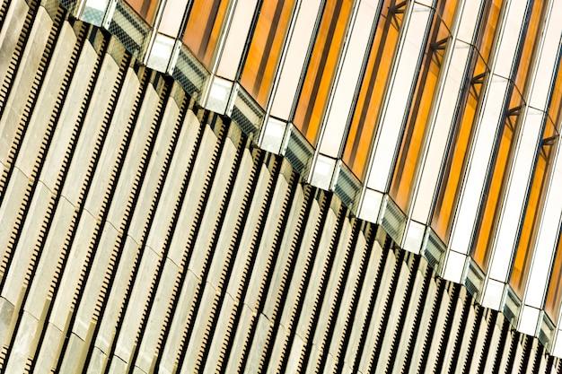 Słonecznych odnawialnych z widokiem na energię elektryczną pylon światła słonecznego