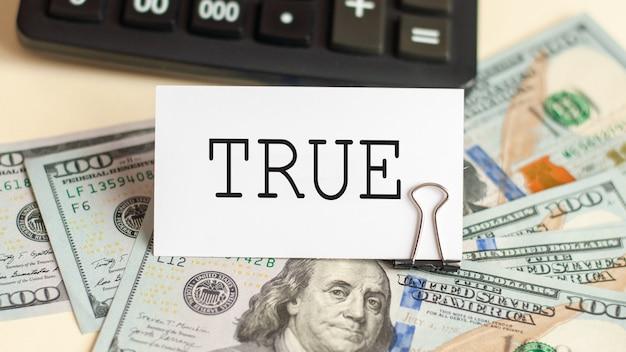 Słowo prawda jest zapisane na białej karcie. pomysł na biznes