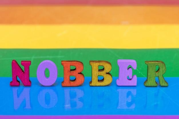 Słowo wielokolorowych liter szlachetnych, co oznacza dziewięć