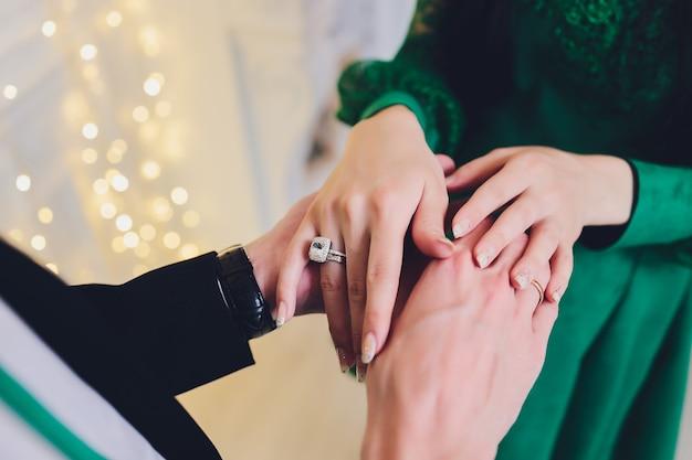 Ślub narodowy. panna młoda i pan młody. ślub pary muzułmańskiej podczas ceremonii ślubnej. małżeństwo muzułmańskie.