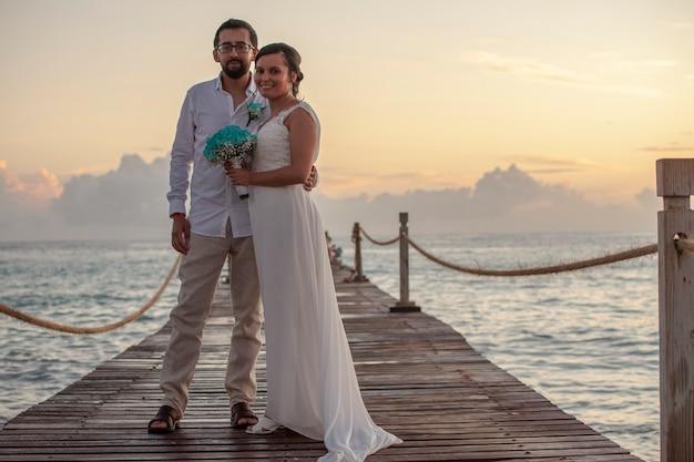 Ślub o zachodzie słońca na karaibach na dominikanie w bayahibe