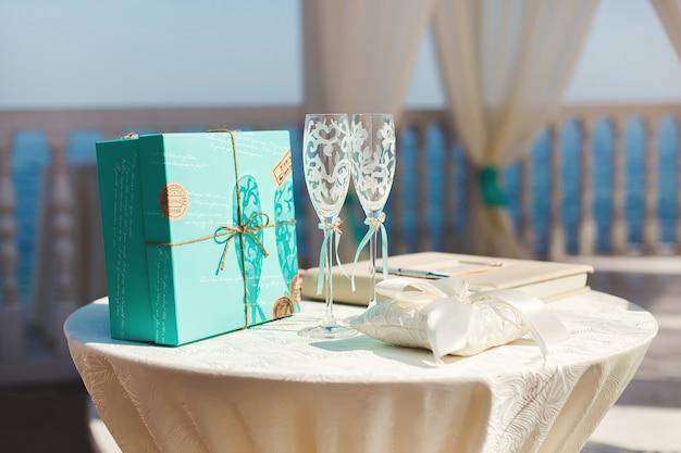 Ślubne kieliszki do szampana