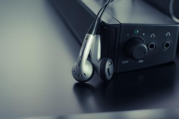 Słuchawka z tłem głośnika
