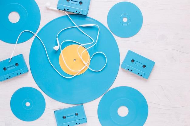 Słuchawki na dyskach i kasetach