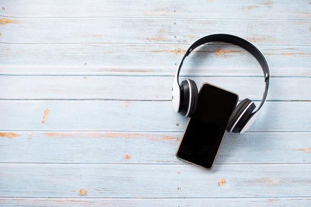 Słuchawki noszone na telefon komórkowy, relaksujący czas