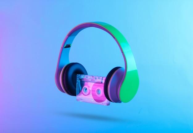 Słuchawki stereofoniczne z kasetą audio