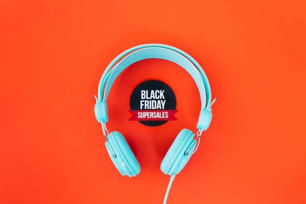 Słuchawki wokół czarnej piątki
