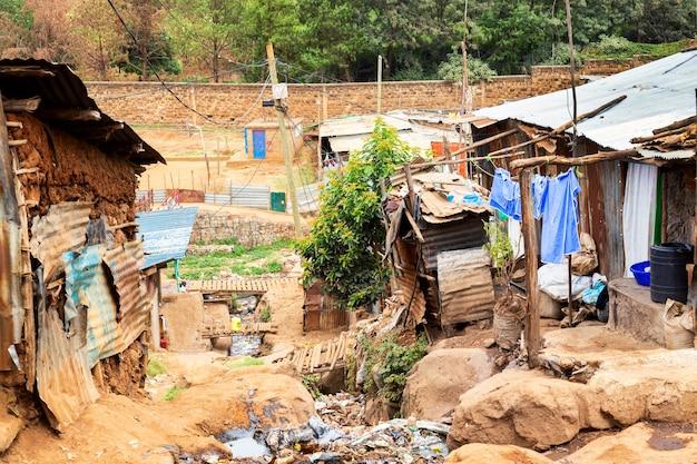Slumsy kibera w nairobi w kenii