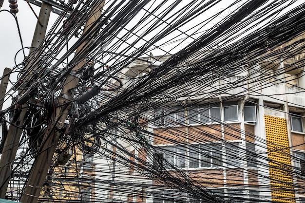 Słupy elektryczne w tajlandii
