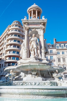 Słynna fontanna jakobina w lyonie we francji