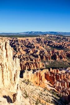 Słynny amfiteatr w parku narodowym bryce canyon, utah, usa