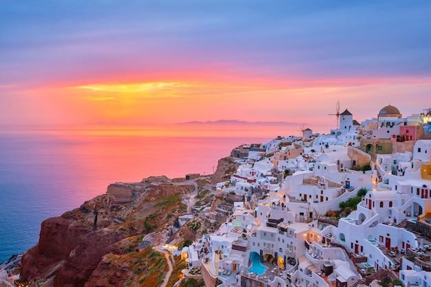 Słynny grecki ośrodek turystyczny oia, grecja